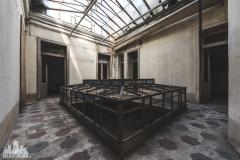 deadinside, urbex, dead inside, natalia sobanska, abandoned, Kupari, abandoned villa, Italy, abandoned Italy, villa drapp (14 of 16)