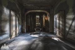 deadinside, urbex, dead inside, natalia sobanska, abandoned, Kupari, abandoned villa, Italy, abandoned Italy, villa drapp (5 of 16)