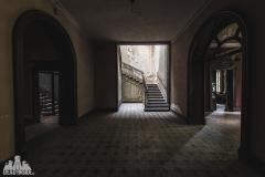 deadinside, urbex, dead inside, natalia sobanska, abandoned, Kupari, abandoned villa, Italy, abandoned Italy, villa drapp (7 of 16)