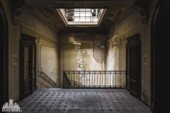 deadinside, urbex, dead inside, natalia sobanska, abandoned, Kupari, abandoned villa, Italy, abandoned Italy, villa drapp (9 of 16)