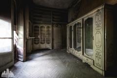 deadinside, urbex, dead inside, natalia sobanska, abandoned, abandoned villa in Italy, villa Drapp 222 (1 of 1)