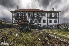 deadinside, urbex, dead inside, natalia sobanska, abandoned, abandoned villa, abandoned villa, Portugal (1 of 4)