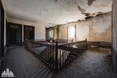 deadinside, urbex, dead inside, natalia sobanska, abandoned, abandoned villa, abandoned villa, Portugal (4 of 4)